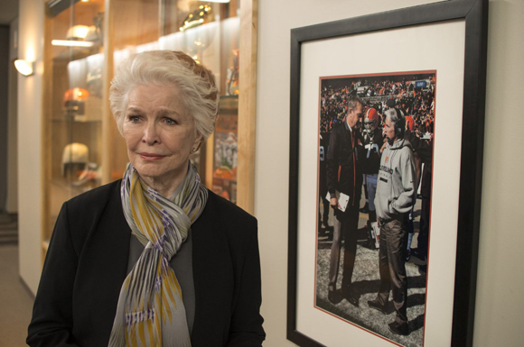 Ellen Burstyn plays Barb, Sonny's mother